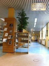 L'entrée de la bibliothèque