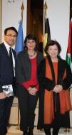 L'échevin M. Eric Jassin Ramdani, l'invitée Mme Sandrine Mansour-Mérien et Mme Leïla Shahid, déléguée Générale de la Palestine auprès de la Belgique